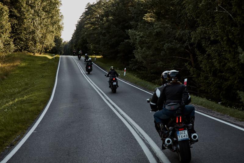 Ważna dla motocyklistów zmiana przepisów - jazda w kolumnie!