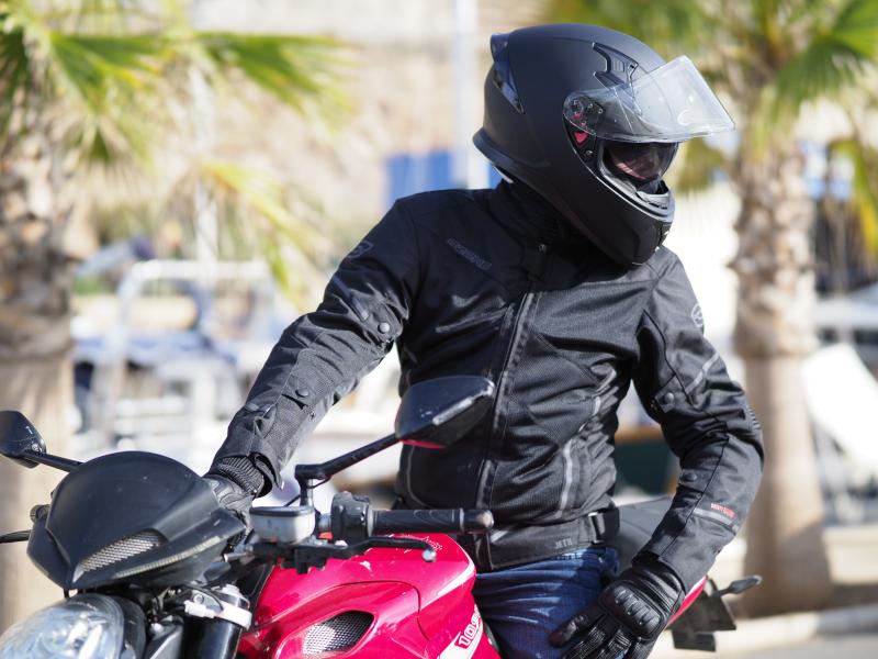 Tekstylna kurtka na motor - wybieramy dobrą kurtkę motocyklową
