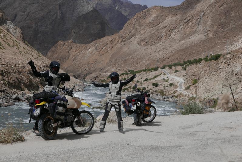 Held Hakuna Matata II - testujemy turystyczny zestaw motocyklowy Held w Azji