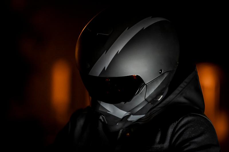 Scorpion Covert-X, Exo Combat Evo czy Bell Broozer? Który oferuje najwięcej?