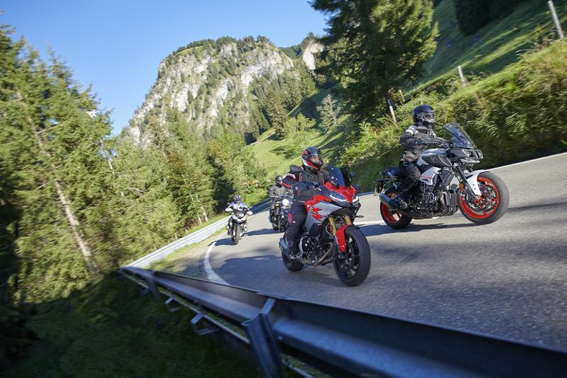 Jakie rękawice wybrać do turystyki motocyklowej? Wybierz Held Air`n`Dry
