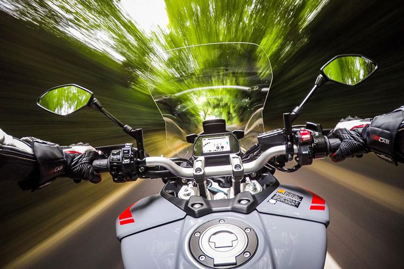 Komisja PE: automatyczny ogranicznik prędkości obowiązkowy