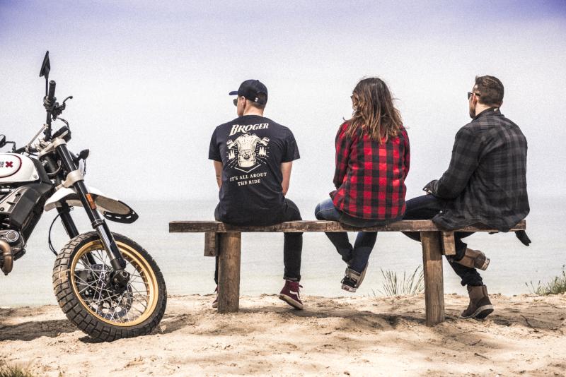 Jak się ubrać latem do miasta na motocykl - propozycja od Brogera