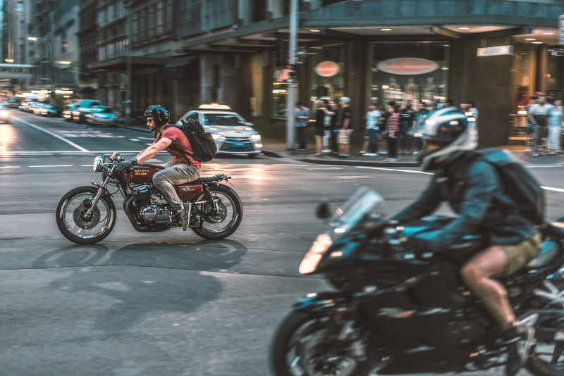 Jak zmieniać biegi w motocyklu - część 2. Szkoła jazdy DSM