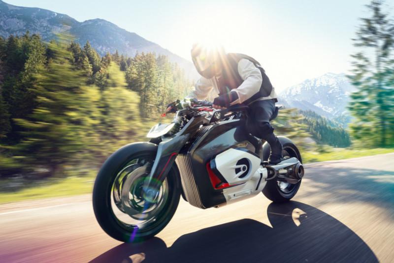 BMW Vision DC Roadster. Pierwszy elektryk… z bokserem