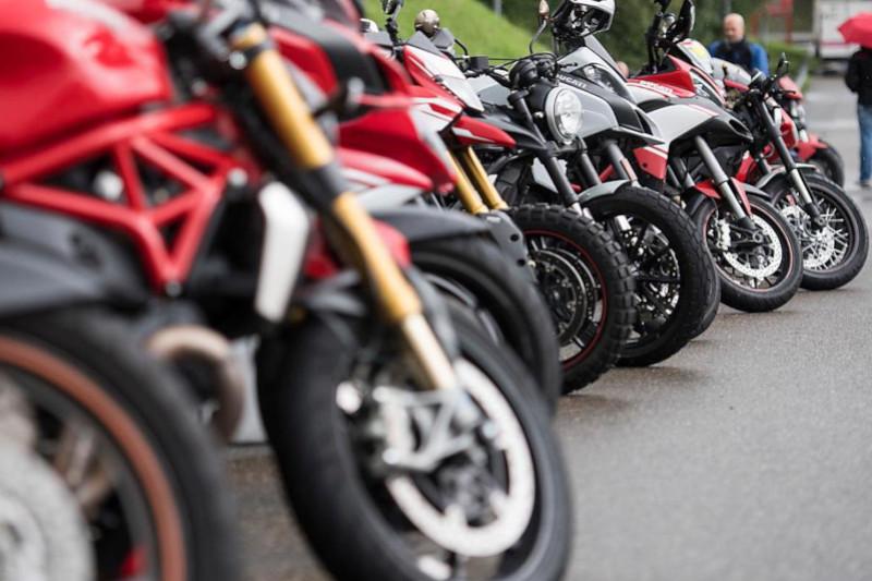 Łańcuch, wałek czy pas zębaty - szukamy najlepszego napędu motocykla