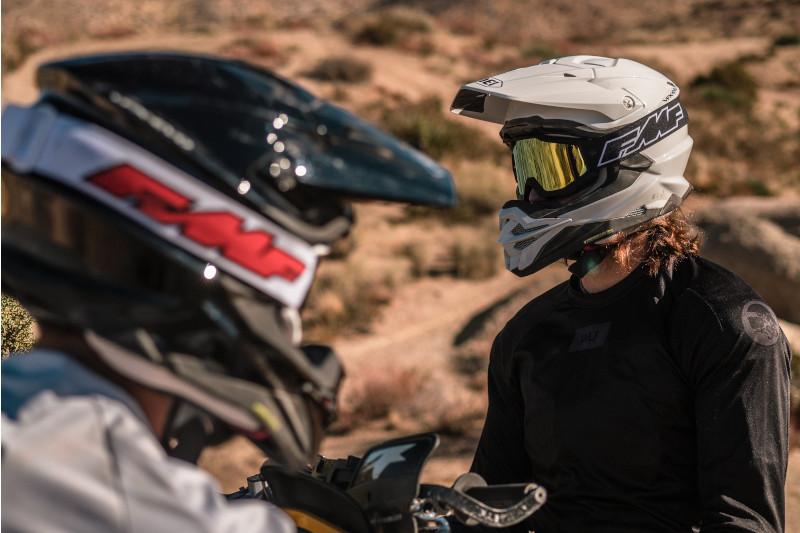 Recenzujemy gogle motocrossowe FMF POWERCORE!