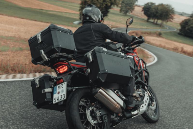 Jak spakować się na motocykl? Rozwiązania SW-Motech