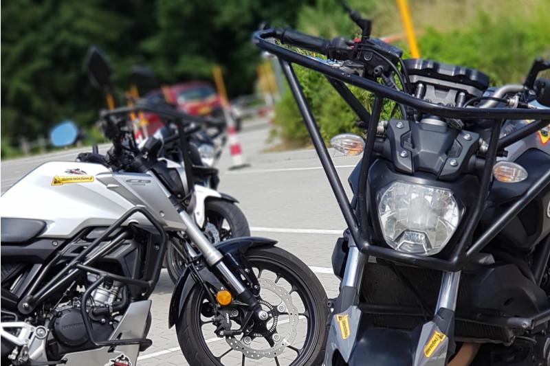 Ile trwa zrobienie prawa jazdy na motocykl? Kurs, egzamin, oczekiwanie na dokumenty