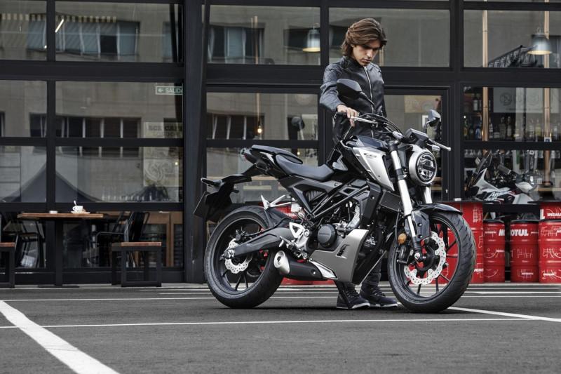 Jak zacząć jeździć na motocyklu 125 ccm? Vademecum cz. 1: Teoria