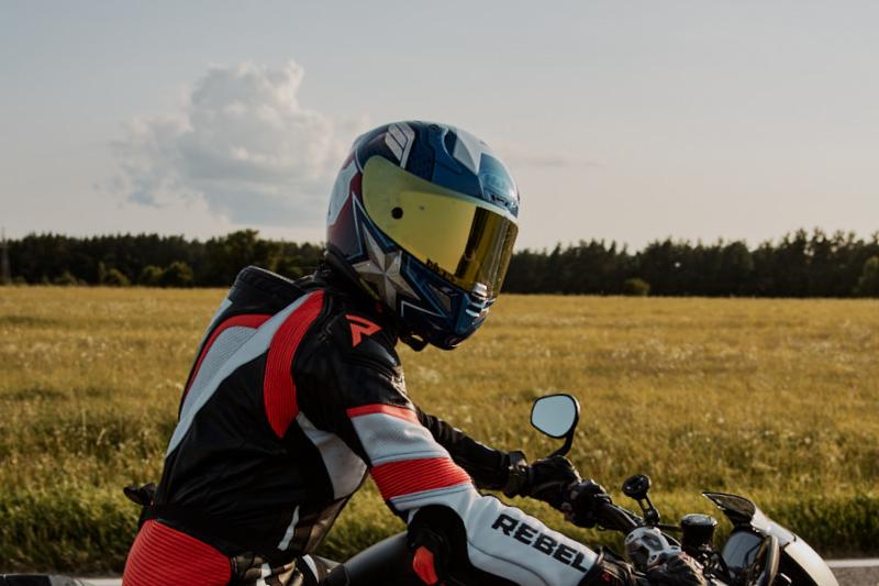 Jak przygotować strój motocyklowy do zimy? Część 1 - kask