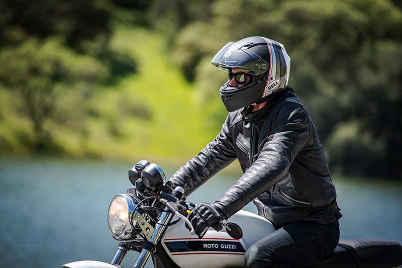Kask na  motocykl 125 cm3 i skuter - jaki wybrać?