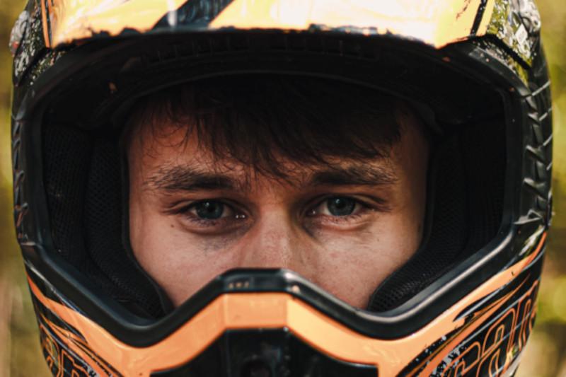 Kaski motocyklowe - krótka charakterystyka popularnych marek