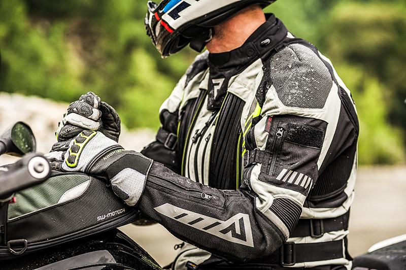 Jak prawidłowo dobrać tekstylną kurtkę motocyklową