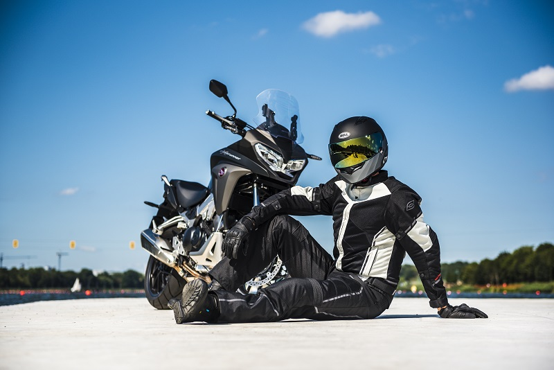 Letnie męskie kurtki motocyklowe - jaką wybrać?