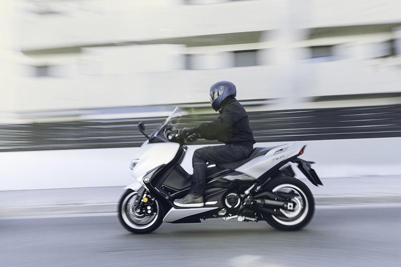 Motocyklowy kask na skuter - przegląd propozycji za niewielkie pieniądze