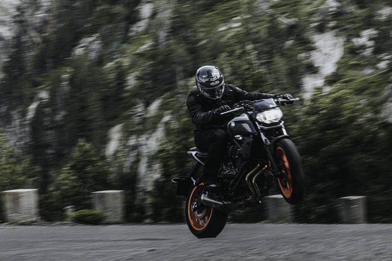 Przegląd kasków motocyklowych z blendą do 500, 1000, 1500 i 2000 zł