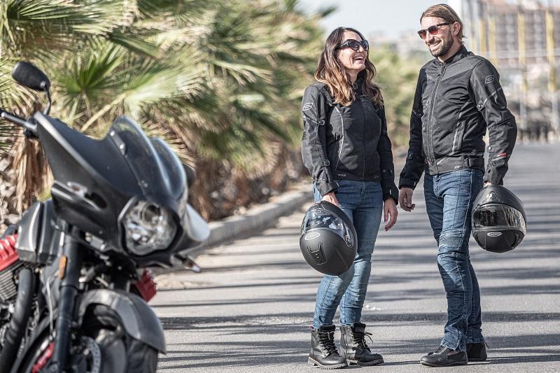 Strój na motocykl dla plecaczka? W co ubrać pasażerkę latem? Zestaw Ozone: FP-01, Jet II, Roxy, Town II, City