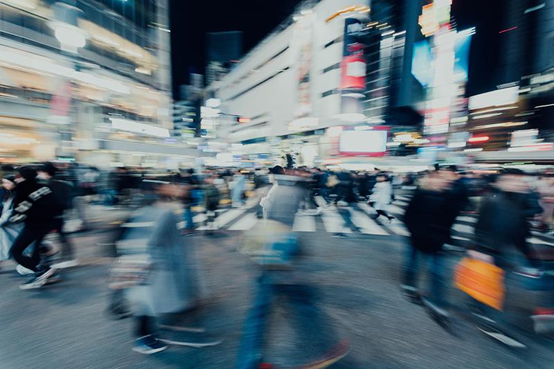 Więcej praw dla pieszych, wolniej po mieście. Będą zmiany w przepisach