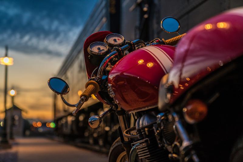 Miasto jest twoje! Miejski strój motocyklowy za mniej niż 1800 zł