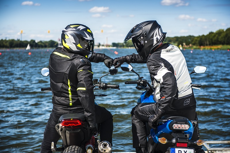 Tanie rękawice motocyklowe - czyli co wybrać, mając do dyspozycji 200 zł?