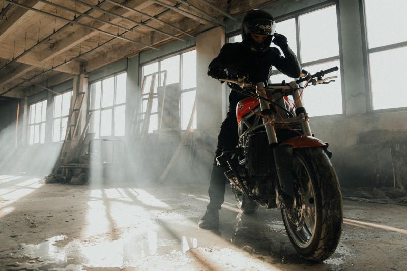 Kurtka Rebelhorn Vandal Air wysoko oceniona w teście Motocykla!