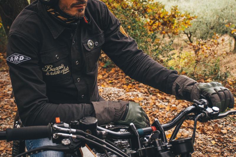 Rękawice motocyklowe na jesień. 5 naszych typów i bonus